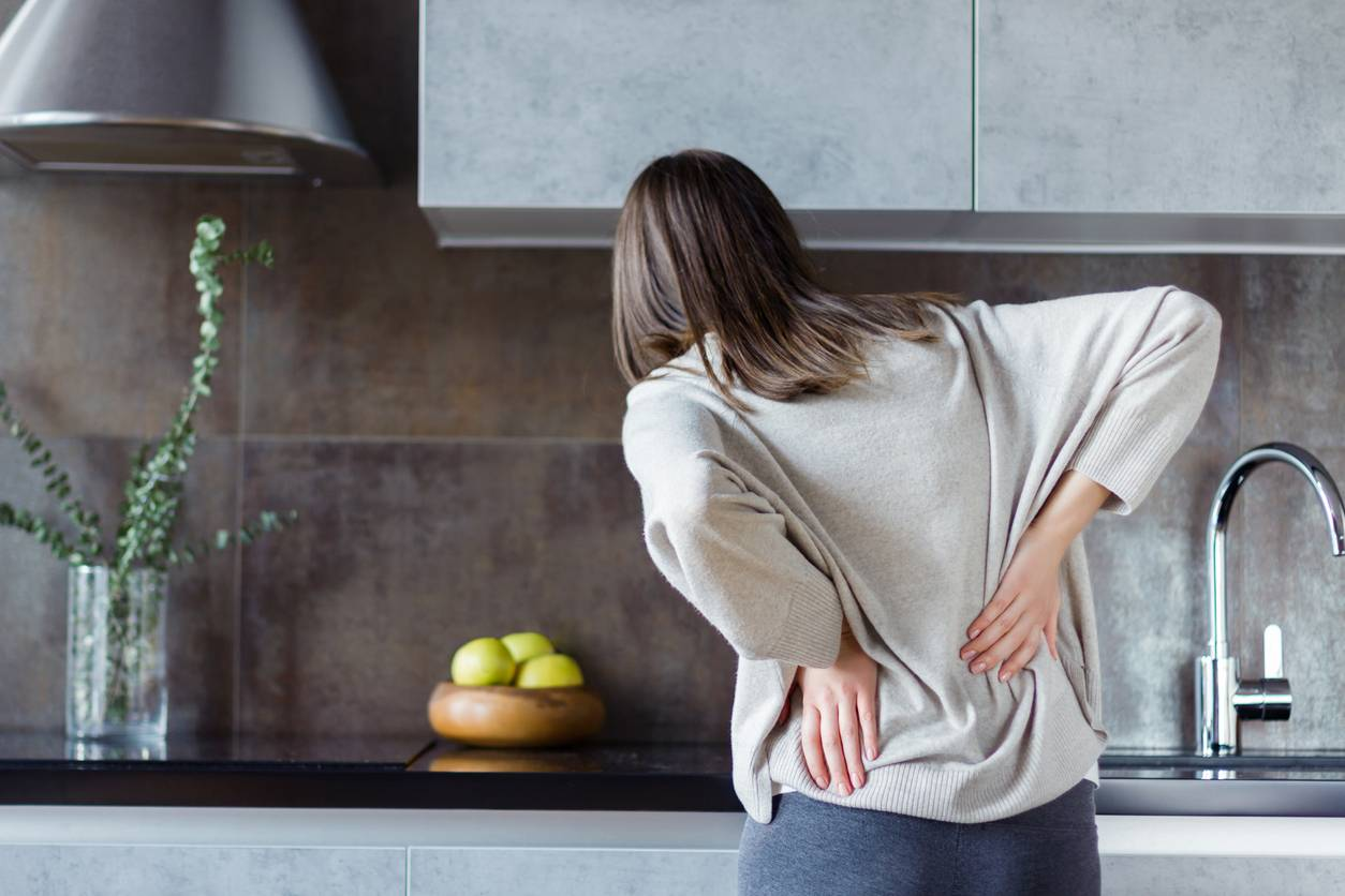 Common habits that cause back problems.